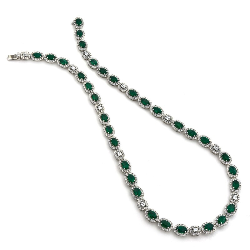 18K White Gold Sapphire Emerald