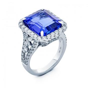 18K White Gold Tanzanite Ring